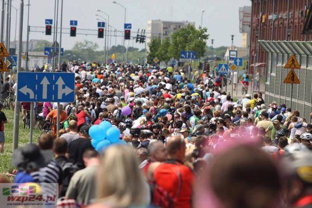 Chyba nawet na otwarciu Centrum Handlowego Cegielnia nie było tam takich tłumów. Zdjęcie udostępnione dzięki uprzejmości portalu www.wzp24.pl