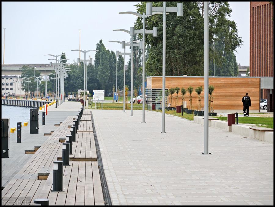 Choć architektura Szczecina bierze trochę człowieka na dystans przez swoją majestatyczność, to wizerunek ten ocieplają nie tylko nowoczesne i przyjazne przestrzenie publiczne, co przede wszystkim ludzie. Ludzie niezwykle otwarci, kulturalni, przyjaźnie nastawieni i profesjonalni