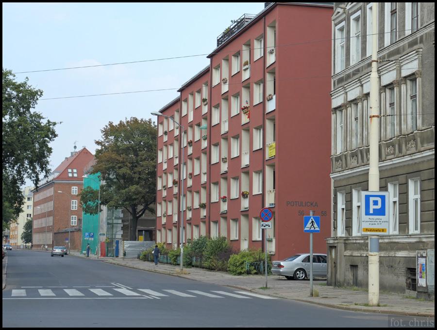 Z czego wynikają braki w oznakowaniu poziomym na szczecińskich ulicach?