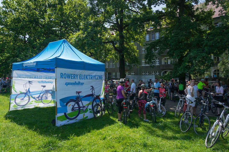 Pewnie nie wszyscy wiedzieli, ale w Szczecinie funkcjonuje sklep i wypożyczalnia z rowerami elektrycznymi. W Nowym Turzynie na 1 piętrze. Podczas święta cyklicznego można było przetestować takie rowery.