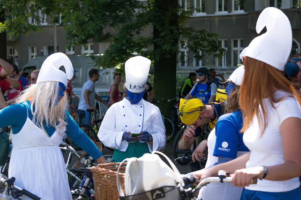 Twitujące smerfy na rowerach. Tego jeszcze w Szczecinie nie grali.