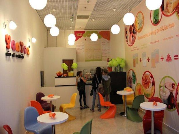 Yan Tea otworzyło swój drugi lokal w Szczecinie. W Centrum Galaxy znajduje się na drugim poziomie, niedaleko Food Court. W menu przede wszystkim bubble tea.
