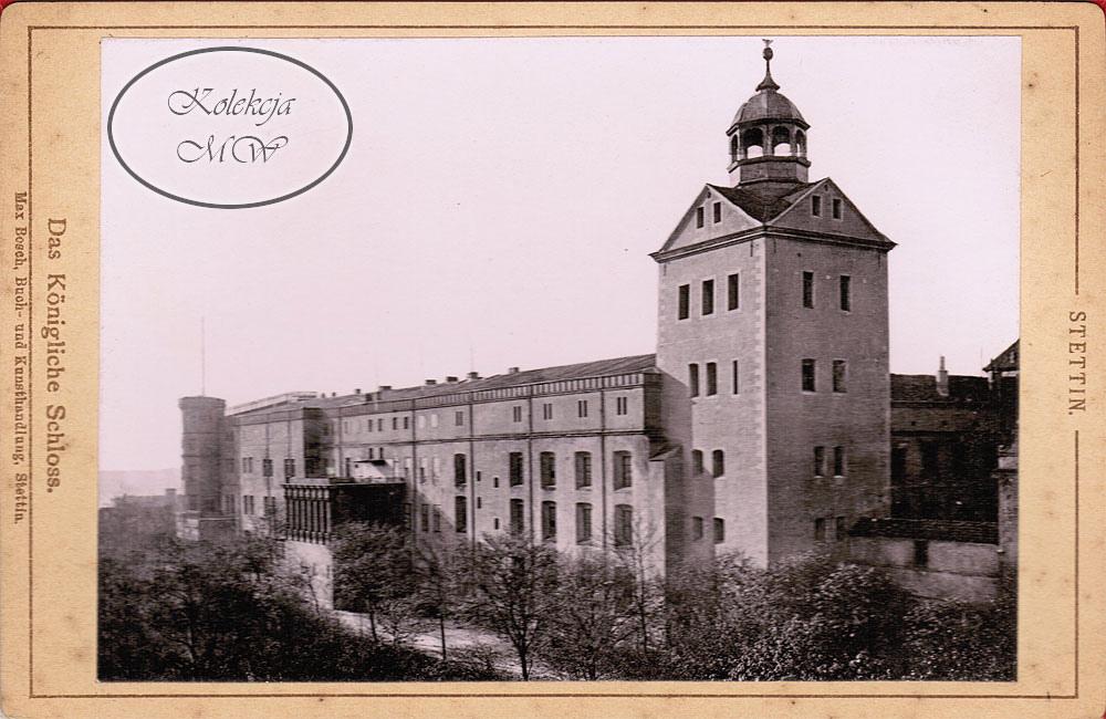 Zamek również zmienił swoje oblicze. Zniknęła wieża widokowa oraz dobudowana do kościoła zamkowego klatka schodowa.