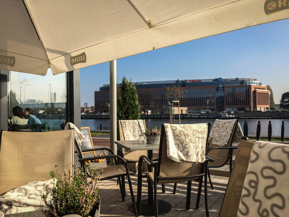 Widok ze Stockholm na biurowiec Lastadia i Bulwar Gdyński