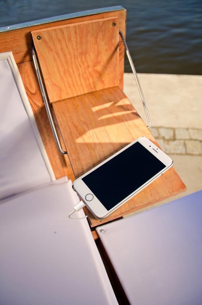 W koszach będzie można podładować telefony - mają być końcówki pasujące do iPhone'ów oraz telefonów z microUSB.