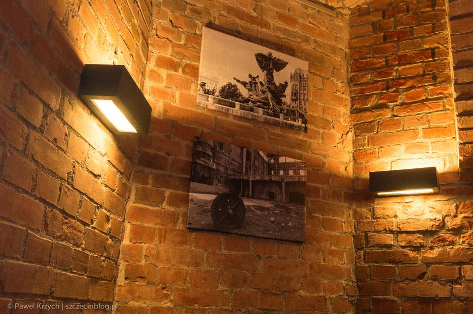 W całym lokalu porozmieszczane są zdjęcia starego Szczecina.