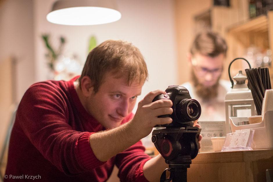 Wojciech Wirwicki z wszczecinie.pl, który realizował video z wydarzenia.